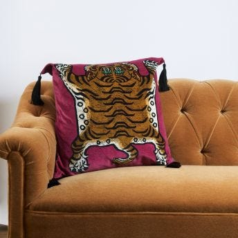 SABER Large Velvet Cushion - Viola-Pink